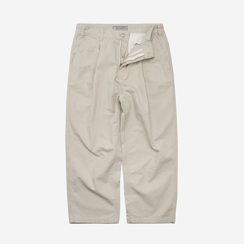 Wide one tuck chino pants _ ivory